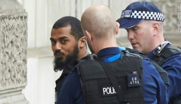 "Cop asked Muslim if he was entering UK for jihad, he answered, ""Jihad is what we do,"" was still admitted to country"