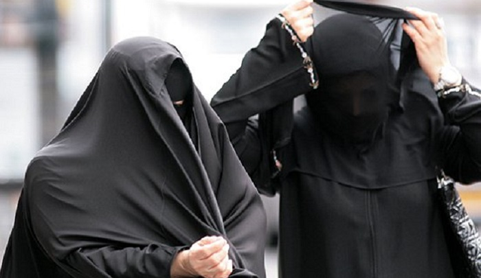 "Egypt considers banning the burqa as part of its crackdown on Islamic ""extremism"""