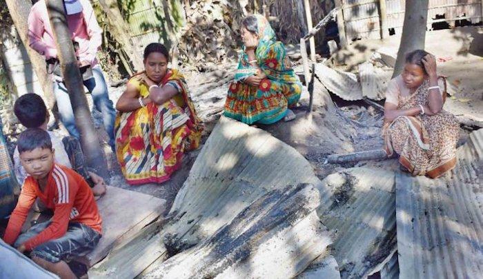 https://www.jihadwatch.org/wp-content/uploads/2017/11/Hindu-villagers-Bangladesh.jpg