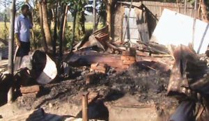 "Bangladesh: Muslim cleric incited mob to burn Hindu homes over ""blasphemy"""