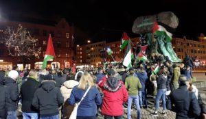 "Sweden: Muslim demonstrators scream ""We're going to shoot the Jews"""