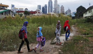 Malaysia: Muslims stall reform of child marriage laws