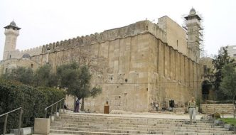 Muslims refuse to allow repairs after Judaism's second holiest site is flooded