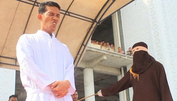 Indonesia: Christian whipped 36 times for selling alcohol and violating Sharia