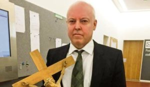 Germany: Judge removes crucifix from courtroom in trial of Muslim who threatened a convert to Christianity