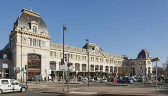 France: Two men stabbed in the neck outside train station in busy tourist hotspot