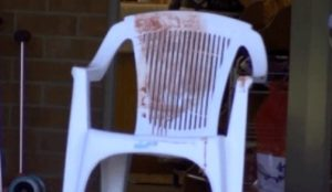 Australia: Sleeping man feels sharp pain in his neck, wakes to see knife-wielding Muslima screaming Allahu akbar