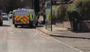 Video from UK: Man attacks police officers with three-foot sword