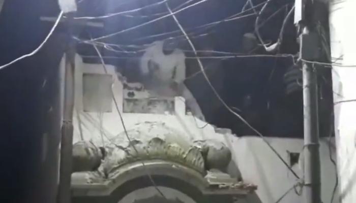 Ramadan in Pakistan: Sunni Muslim mob tears down historic Ahmadi mosque