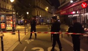 """Video from Paris: Muslim screaming """"Allahu akbar"""" murders at least  one, injures four in stabbing spree"""