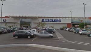 "France: Muslima screaming ""Allahu akbar"" injures two with box cutter in supermarket"