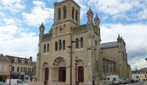 """France: Two young people scream """"Allahu akbar"""" in church just before start of morning Mass"""