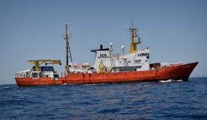 "Italy's new anti-migrant coalition blocks ""rescue"" ship carrying 629 migrants"
