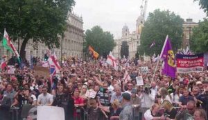 20,000 People Come Out for Tommy Robinson at Londons Whitehall