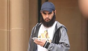 Australia: Man converts to Islam in prison, threatens to blow up shopping center, is granted bail