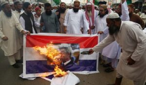 """Geert Wilders cancels """"Draw Muhammad"""" contest amid massive protests, threats of violence"""
