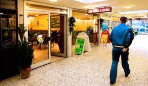 Denmark: Masked Muslim mob wielding baseball bats destroys pizzeria