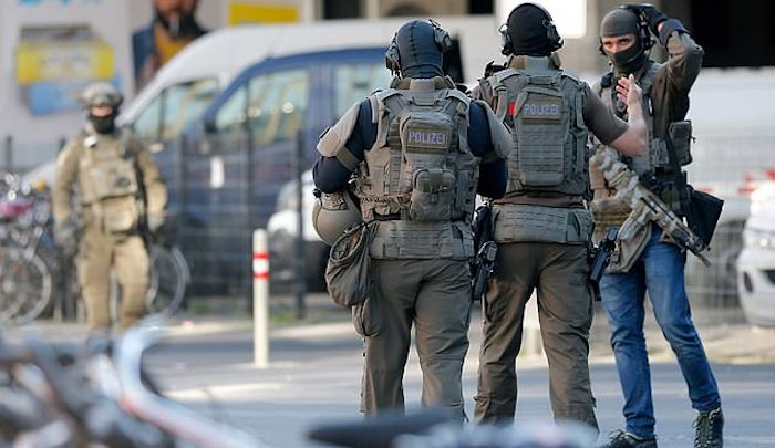 Cologne: Muslim migrant doused hostage with gas and strapped homemade bomb to her