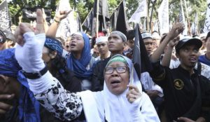 """Indonesia: Rally to promote moderate Islam canceled after threats of violence from Muslims screaming """"Allahu akbar"""""""