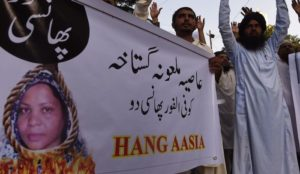 Pakistan: Muslim riots, roadblocks lead authorities to delay release of Christian woman acquitted of blasphemy