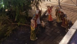 UK: Baby Jesus statue beheaded, Town Hall declines to act because it was time for lunch