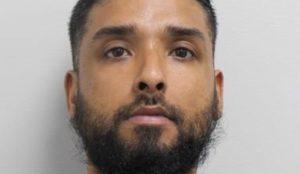UK: Muslim man threatens Muslim woman for wearing Western clothing