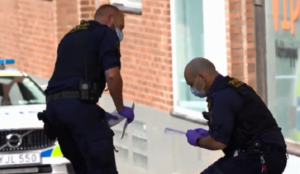 Sweden: Wife of senior Jewish leader stabbed 9 times in street by Muslim man; police not treating it as hate crime