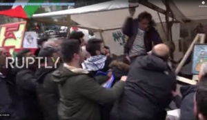 Israeli beaten by Arabs at BDS event – Berlin