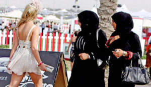 Germany: Muslim Migrants Start Brawl Over Short Skirt