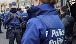 "Belgium: Muslim screaming ""Allahu akbar"" threatens passerby with a knife"