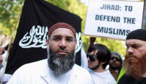 "UK: Muslim prisoners chant ""Queen is the enemy of Islam and must die"""