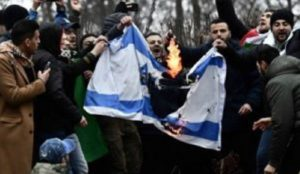 Sweden: Jews hiding their identity as violent Islamic antisemitism increases