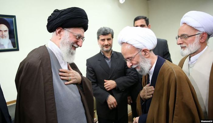 """Iranians """"Turning To Secularism"""" and Mesbah Despairs"""