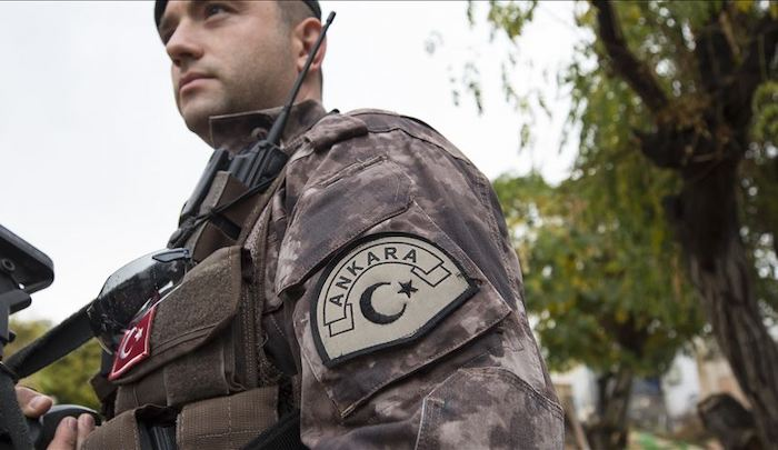 Turkey deploys 1,000 police at Greek border to stem push-back of Muslim migrants