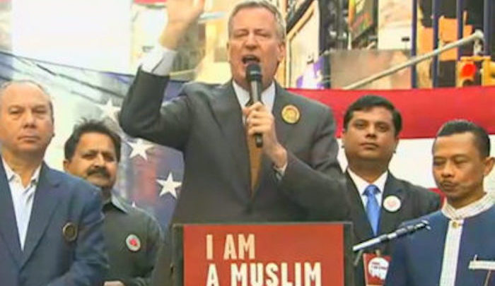 NYC: De Blasio threatened to close churches and synagogues ...