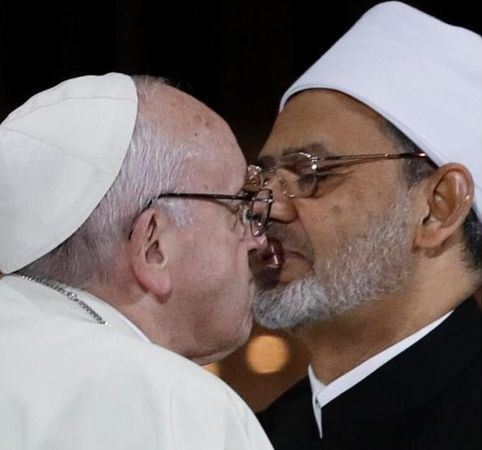 https://www.jihadwatch.org/wp-content/uploads/2020/05/Pope-Francis-kisses-al-Tayeb.jpg
