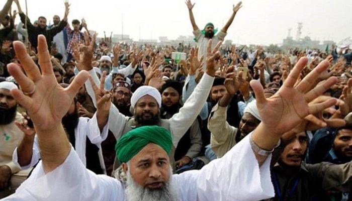 Pakistan: Sunni Muslim hacks Shi'ite scholar to death over allegations of 'blasphemy'