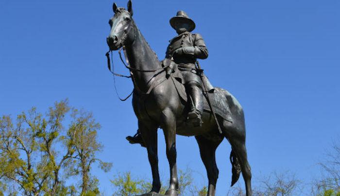 https://www.jihadwatch.org/wp-content/uploads/2020/09/Grant-Vicksburg-statue.jpg