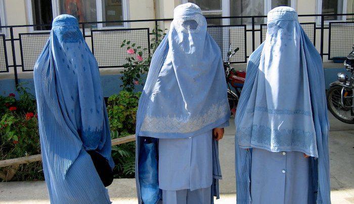 https://www.jihadwatch.org/wp-content/uploads/2021/01/three-burqas.jpg