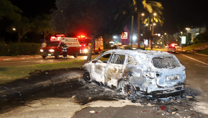 Kristallnacht In Israel: Muslim Mobs in Lod Attack Jews, Burn Cars, Set Synagogues On Fire